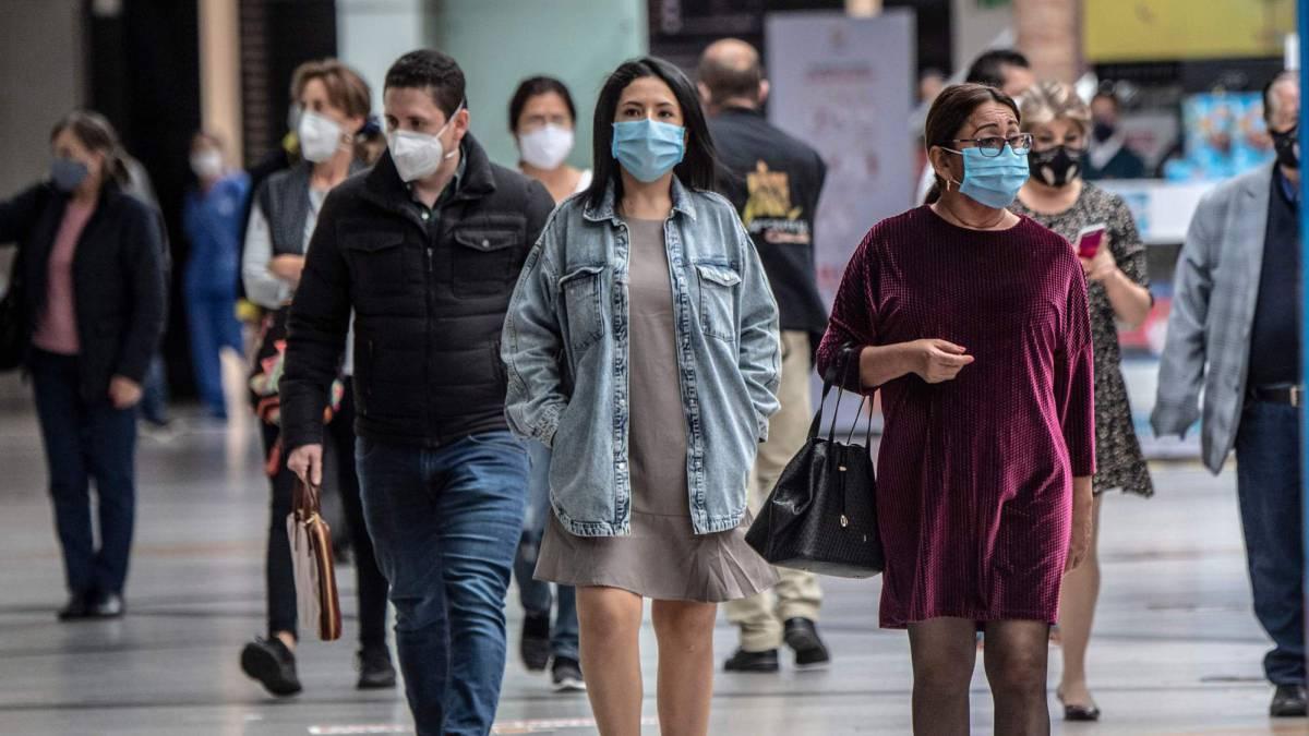 Estudio revela que los adultos jóvenes son los supercontagiadores de coronavirus