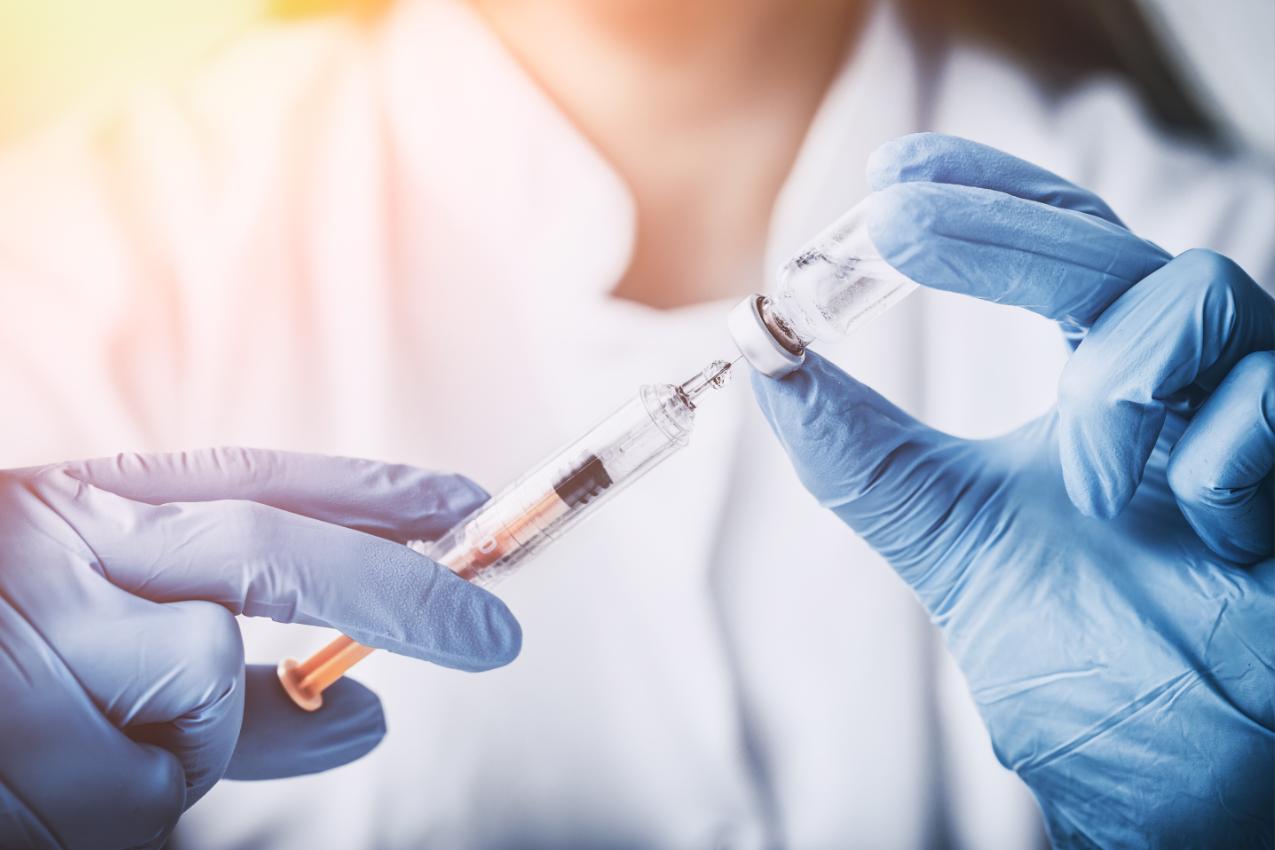 Suspenden la aplicación de vacunas contra la gripe en Singapur tras la muerte de 48 personas en Corea del Sur